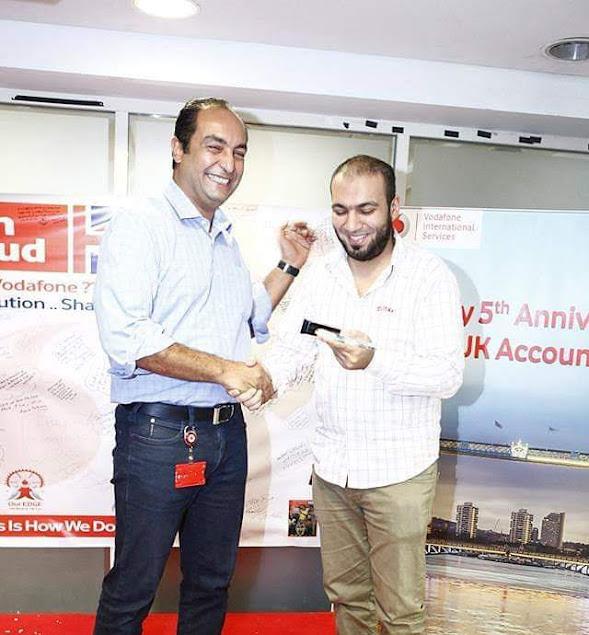 With Sherif Bekir receiving the award